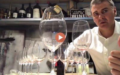 Cómo llenar 16 Copas con una Botella de Vino